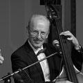 Jahresschlusskonzert 2013: Hans Köppel am Bass