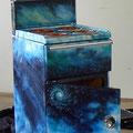 """""""Im Zentrum des Universums""""   Airbrush auf Metall · Beitrag zur Gemeinschaftsausstellung Kunst und Astronomie, Hoher List 2009"""