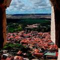 """Aussicht aus einer Schiesscharte im """"Castillo de Peñafiel"""""""