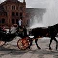 """Kutsche auf dem """"Plaza de España"""" in Sevilla"""