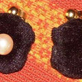 albumen,earring,pearls,metal