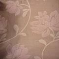 Tissu à fleur légèrement satiné