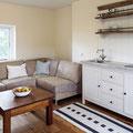 Pantry-Küche im Landhausstil mit Regal