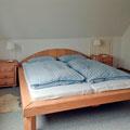 Das selbstgebaute, gemütliche Doppelbett