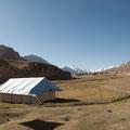 Das Schulzelt steht auf 4500 Meter Höhe