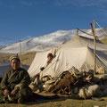 Nomade vor seinem Zelt