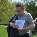 Prof. Dr. Peter Morsbach erklärt den Grundriss der der Weltenburg