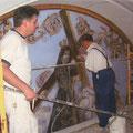 D. Miguel Quintanar y su hijo trabajando codo con codo.