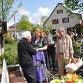 Die Spargelkönigin gratuliert
