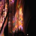 Sonnen-Farbspiel des Gerhard-Richter-Fensters, vom Gerüst des Agilolphus-Retabels aus fotografiert