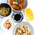 南瓜とピーマン、高野豆腐の煮物 オムレツ キュウリの梅肉和え 鶏のから揚げ