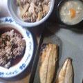 筍の煮物 鶏の甘辛焼き 鯖の塩焼き 豚汁