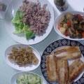 牛冷シャブ 根菜の煮物 サンマのフライ 小アジの唐揚げ