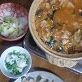 豚キムチ、三つ葉鍋 餃子 豆ご飯 白菜の浅漬