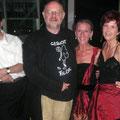Jürgen Flimm mit Mitgliedern der Konzertvereinigung vor der konzertanten Aufführung von KING ARTHUR 2004 in Ingolstadt.