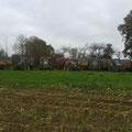 En Septembre, les voisins, collègues de Sylvain et Fabien viennent récolter le maïs. A vos marques, prêts, partez !!!
