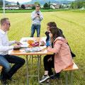 Elite Flights, AS 350 B2 Ecureuil, HB-ZPF, Rundflugtag Gewerbeausstellung UNDOB 2019, Obersiggenthal, Kundenkontakt pflegen