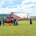 Elite Flights, AS 350 B2 Ecureuil, HB-ZPF, Rundflugtag Gewerbeausstellung UNDOB 2019, Obersiggenthal, friendly inspection