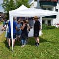 Elite Flights, Rundflugtage Dorffest Russikon 2018, Verkaufsstand, 1-min