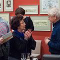 Tom Pauls im Gespräch mit Besucherin der Literaturlounge