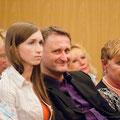 Sophie Micheel (li), Lektorin im Weltbuch Verlag und Dirk Kohl (Mitte), Geschäftsführer des Weltbuch Verlages und Frau Sollfrank, Gattin des Autors Martin Sollfrank