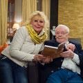 Manfred Uhlig signiert sein Buch