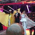 Stelzengeher Bal du Cirque Fantastique Velden mit Kolleginnen