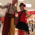 Stelzengeher im Einkaufscenter West Graz lange Einkaufsnacht