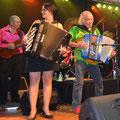 Karine et ses musiciens en gala d'accordéon avec Gilou