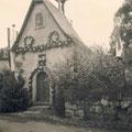 Kapelle mit Fronleichnamsschmuck