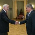 Egon Jüttner mit dem Präsidenten der Republik Finnland Sauli Niinistö