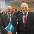 Egon Jüttner mit Bundestagspräsident Prof. Dr. Norbert Lammert beim Medienpreis Politik 2014