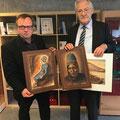 Übergabe Bilder von Richard Bender an Parlamentspräsident Jorn Are Gaski
