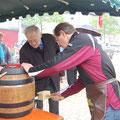 Egon Jüttner bei der traditionellen Maibaumaufstellung in Sandhofen