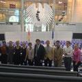 Amerikanische Praktikanten bei Egon Jüttner im Deutschen Bundestag