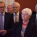 Egon Jüttner mit der ersten stellv. Fraktionsvorsitzenden Gerda Hasselfeldt (Bildquelle: CDU/CSU-Fraktion im Deutschen Bundestag)