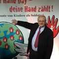 Egon Jüttner beim Red Hand Day im Deutschen Bundestag