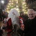 Egon Jüttner bei der Weihnachtsbaumaufstellung in Sandhofen