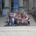 Mannheimer Schülerinnen und Schüler vor dem Reichstagsgebäude des Deutschen Bundestags