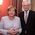 Egon Jüttner mit Bundeskanzlerin Dr. Angela Merkel (Bildquelle: CDU/CSU-Fraktion im Deutschen Bundestag)