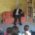 Egon Jüttner beim bundesweiten Vorlesetag im Kindergarten St. Elisabeth