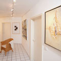 Kunst lässt kühle Räume strahlen