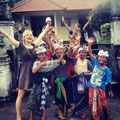 Nicolá MelissiAn with cool Kids from Bali
