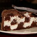 Шахматный (шоколадный бисквит со сливочным кремом)
