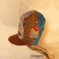 アステカ模様の背高帽子