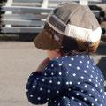 素敵帽子を買ってもらった僕。恥ずかしがって写真を撮らしてくれないので 隠し撮り!笑