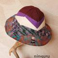 落ち着いた紫と茶色のチューリップハット