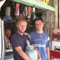endlich mit hilfe eines iraners eine passende gasflasche gefunden