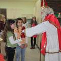 Der Nikolaus in der 4. Klasse am Tag der offenen Tür der NMS Rappottenstein