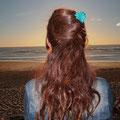 pic à cheveux double en bois et fleur en cuir